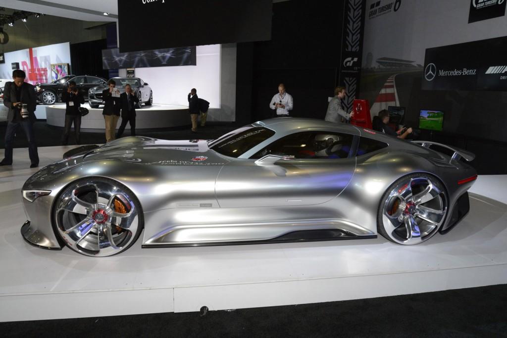 Mercedes-Benz: рекордный гибрид уже в продаже